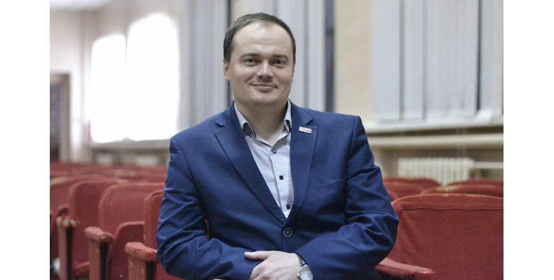 Александр Апарин: «Поправки в Конституцию о поддержке добровольческого движения помогут развитию волонтерства»