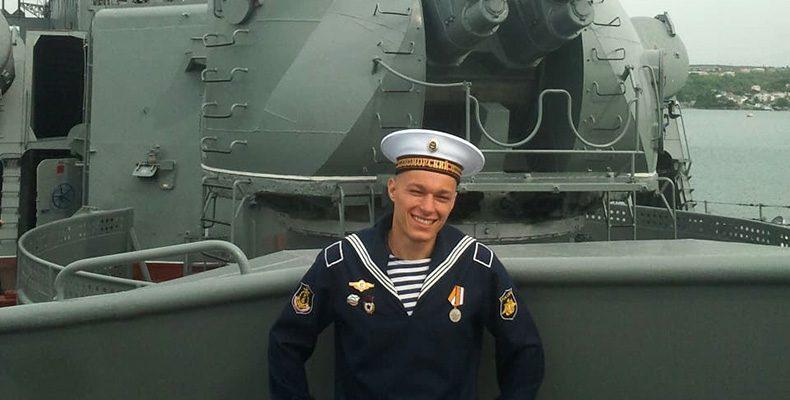 Мальчишки на флоте взрослеют быстро
