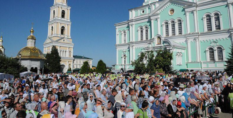 Нижегородцы смогут увидеть трансляции праздничных богослужений, посвященных Дню памяти преподобного Серафима Саровского