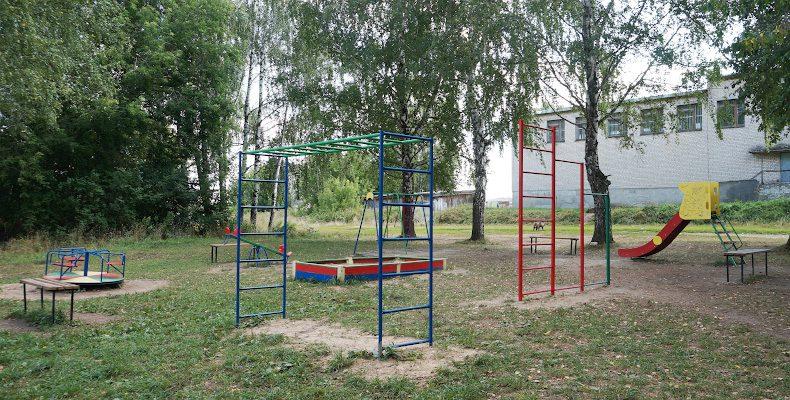 Шандровцам — детская площадка