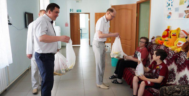В больницу с подарками