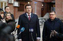 Владимир Якушев и Глеб Никитин вручили ключи от квартир обманутым дольщикам