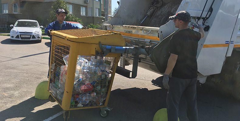 """Никитин: """"Каждый дом сам решит — переходить на раздельный сбор мусора или нет"""""""